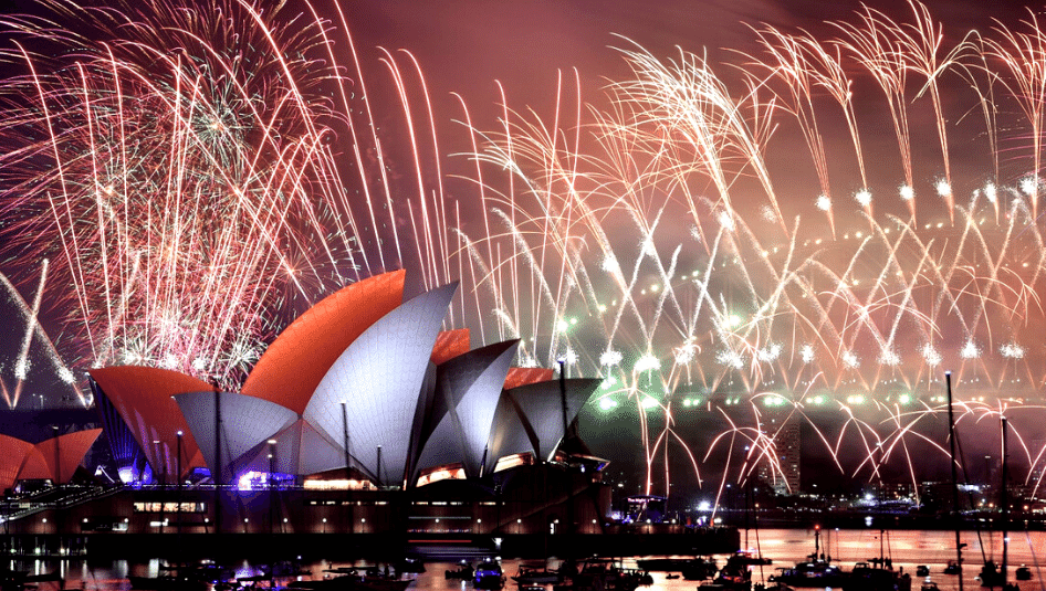 fireworks sydney opera house on new years eve