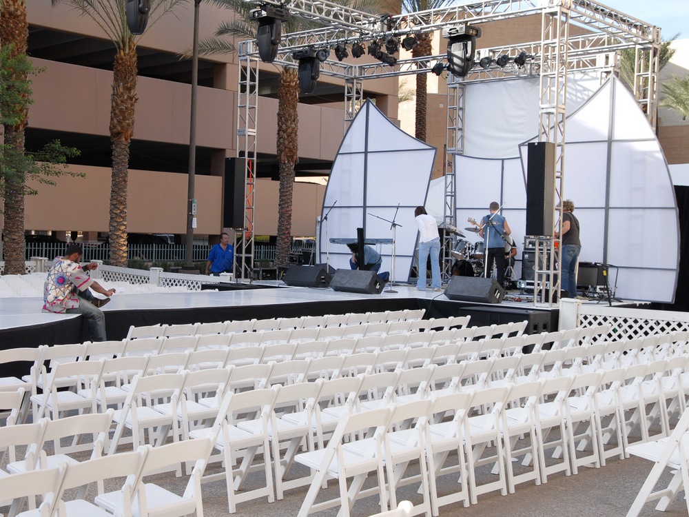 Stage Set up